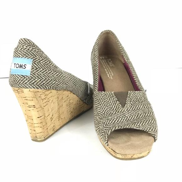 89e7536f9a Toms Shoes | Wedge Cork Brown Herringbone Sz 65 | Poshmark